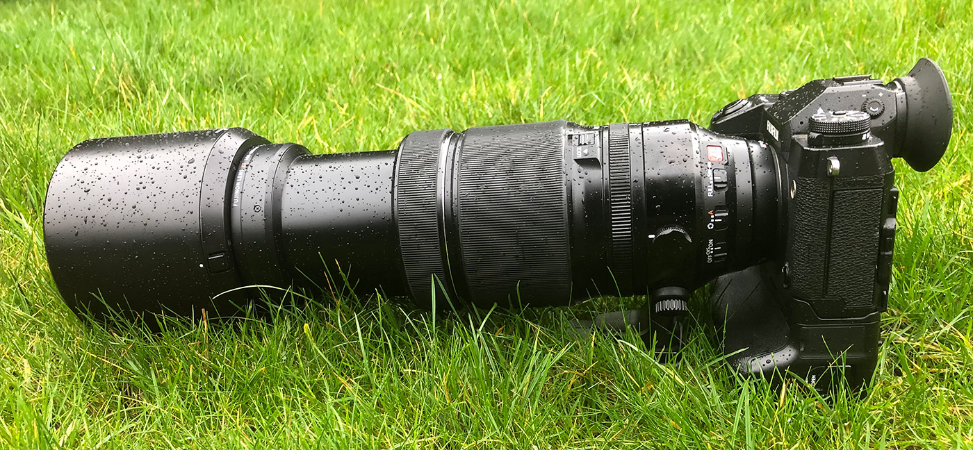 The Fujinon (Fujifilm) 100-400mm f/4.5-5.6 attached to the Fujifilm X-H1